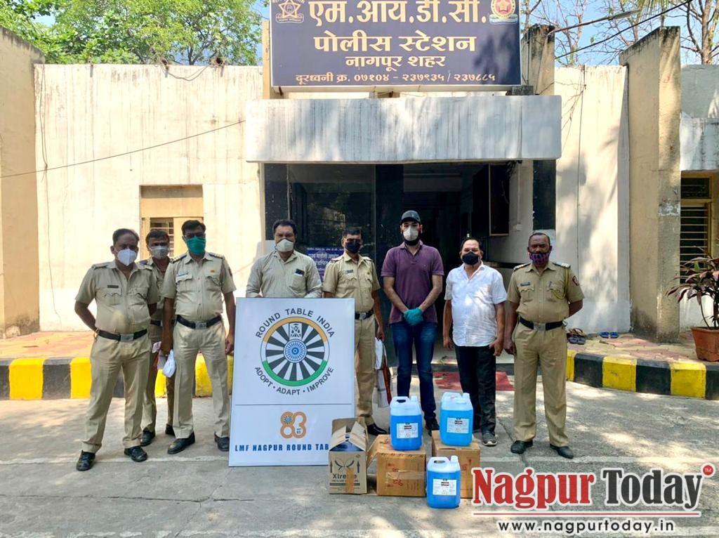 Nagpur Round table 83 donates 50 litres of Hand Sanitiser